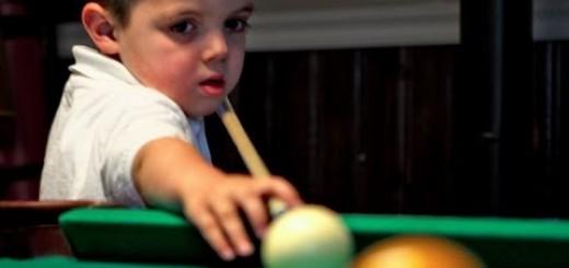 【ビリヤード】5才にしてこの手つき・・・天才ビリヤード少年のテクニックにため息が止まらない!