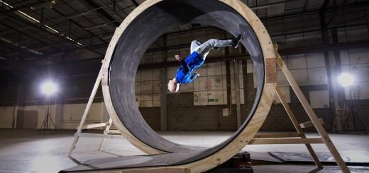 【パフォーマンス】これぞ人間ソニック・ザ・ヘッジホッグ!360度のループを駆け抜ける男!!