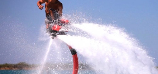 【フライボード】この動きトビウオどころじゃねー!!空飛ぶ水上スポーツ、フライボードが最高にCool!