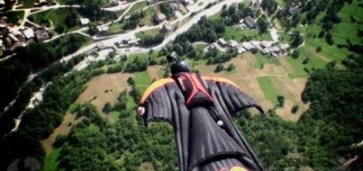 【ウィングスーツ】ムササビのように滑空する姿がスリリング!山肌をすり抜けるウィングスーツ動画が大迫力!!